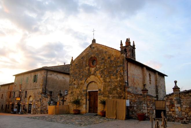Monteriggioni church