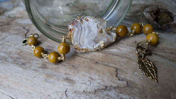 Agate Geode and African yellow jade bracelet ($43.29)